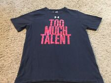 Boys Youth Under Armour Black Heat Gear Loose Fit TOO MUCH TALENT T-Shirt Sz M