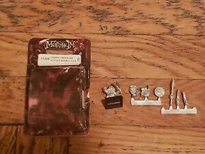 Mordheim M064 E Dwarf Treasure Hunter Beardlings
