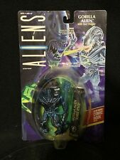 1994 Aliens Gorilla Alien with Face Hugger and Dark Horse Comic