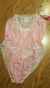 VTG NWT Kayser Teddy One Piece Strap Ivory Lace Pink Polyester Lingerie 38 Small