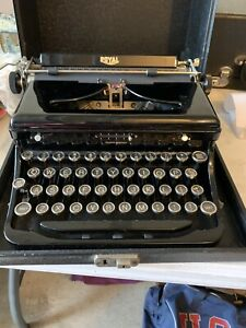 Vintage 1936 Royal, Model O Portable Typewriter With Case #0-452571 Excellent