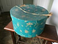 VINTAGE Dewees Hat Box 1940's 16 x 8 used antique