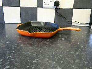 le creuset cast iron skillet / griddle pan  in orange