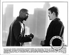 LOT of 5, Oscar winner Denzel WASHINGTON, Ethan Hawke stills TRAINING DAY (2001)
