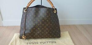 100% Authentic Louis Vuitton Artsy MM + Dust cover