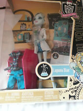 New rare monster high lagoona blue mad science