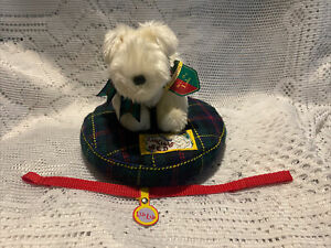 Muffy's Dog Lulu With Bed and Leash