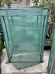 Gardman Growbag Growhouse With Heavy Duty Reinforced Cover Used