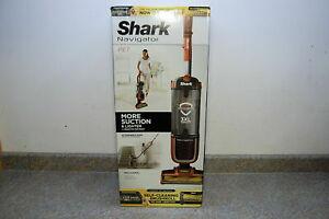 New Shark Navigator ZU60 Zero-M Self-Cleaning Brushroll Pet Pro Upright Vacuum