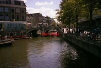 PHOTO  NETHERLANDS LEIDEN 1989 CANAL TWIN CANAL BRIDGES