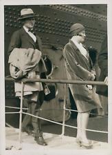 """James Alexander """"Bud"""" Stillman et sa femme débarquant à Cherbourg, ca.1902, Vint"""