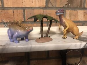 Loot Crate Exclusive QMX Firefly Inevitable Betrayal Dinosaur Playset