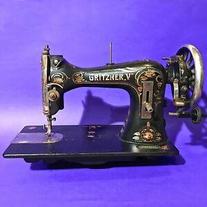 1916 RARE ART NOUVEAU DECORATED ANTIQUE ORIGINAL GRITZNER  V SEWING MACHINE