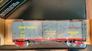 """Weaver Ultra Line 50' Union Pacific """"The Challenger"""" Box Car"""
