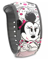 Disney World Minnie Mouse Polka Dot Castle White MagicBand 2 Linkable  NEW
