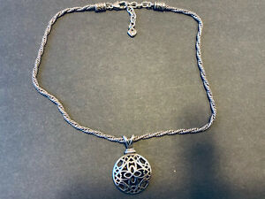 Vintage Brighton Necklace Flower Silver Tone Round Pendant Twisted Chain Clover