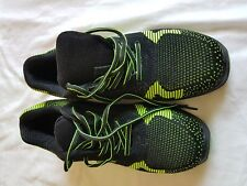 MENS EARTHWORKS BLACK AND GREEN TRAINERS SIZE 6