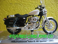 MOTO  1/24 HARLEY DAVIDSON POLICE XL 883 SPORTSTER 2005