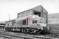 PHOTO  SWANSEA EAST DOCK MPD 13.8.63 TYPE 3 (LATTERLY CLASS 37) D6833 STANDS IN