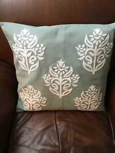 Pottery Barn Kyla Embroidered 18 x 18 Pillow Cover Gorgeous! Moss Green