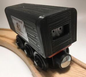 Thomas Wooden Railway Diesel in Disguise MINT 2 Parts Train Set Engine Car Toy