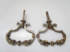 ancienne paire de poignées pendeloques de meuble-commode-tiroirs-en métal jaune