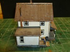 HO, OLD REVELL FARM HOUSE GARAGE & COOP, SCIENTIFIC SMALL BARN, W/FREIGHT HOUSE