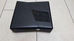 XBOX 360 Slim - Schwarz Model 1439 ohne Zübehör - Ersatz Konsole Mattschwarz