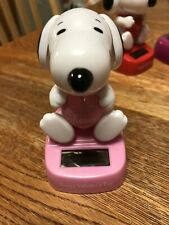 Solar Powered Dancing  Bobblehead Toy -  Peanuts SNOOPY Valentine's Day - Pink