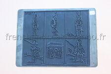 C252 Ancien tampon scolaire metal arc de triomphe fantassin guerre histoire