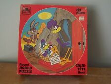 RARE 1983 ROUND GOLDEN 125 PIECE JIGSAW PUZZLE - THE ROAD RUNNER AND COYOTE