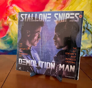 WIDESCREEN EDITION DEMOLITION MAN STALLONE SNIPES DOLBY SURROUND LASERDISC NTSC