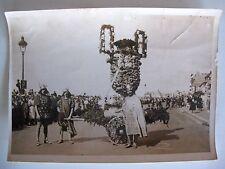 ancienne photo de presse safara Meurisse char carnaval mardi gras vers 1938