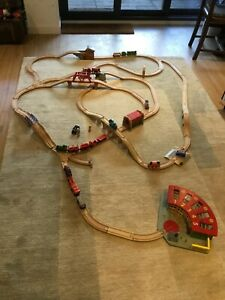 BRIO 33351 Wooden Track, Trains and Station