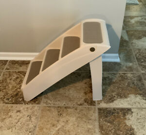 """PetSafe CozyUp Folding Pet Steps, Foldable Steps for Dogs and Cats! 20""""In Tall"""