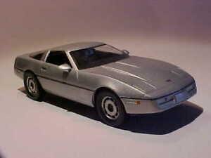 4 INCH Chevrolet Corvette 1985 Universal Hobbies 1/43 Diecast Mint Loose