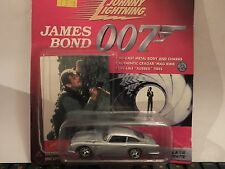 JOHNNY LIGHTNING JAMES BOND 007 VIEW TO A KILL CHEVY CORVETTE + COLLECTOR CARD