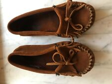 Minnetonka Moccasins brown womens size 5.5 Preowned but very good condition