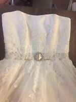 NWOT Lace Applique Beaded Henry Roth Wedding Dress Size 10 Street Size 6/8