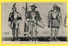 CPA PARIS Musée de l'Armée COSTUME de GUERRE CHEVALIERS Armoirie De BAYARD