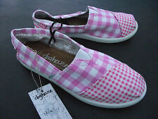 BNWT Older Girls/Ladies Sz 9 Rivers Doghouse Brand Pink/Checked Canvas Shoes