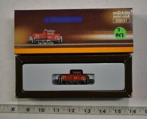 Lot 7-147 * Z Scale Marklin mini-club 88641 - Red Diesel Switcher Loco - w/box