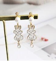 E1115 Betsey Johnson Wonderland Easter Dangling Rabbit Bunny Pearl Earrings UK