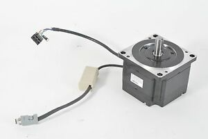Yaskawa 750W 200V Sigma IIAC Server Motor SGMPH-08A1A-YA13
