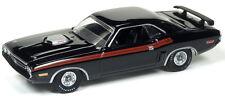 Auto World 1:64 1971 Dodge Challenger R/T Gloss Black Die-Cast Car AW64052