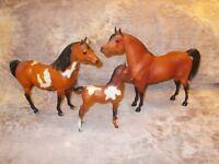 Breyer Proud Arabian(s) BHR Red Bay Stallion, Red Bay Overo Mare & Foal Lot (3)