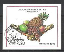 Fleurs -ananas Madagascar (157) bloc oblitéré