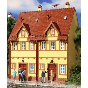 HO Scale Buildings - 43844 - H0 Semi-detached row house, yellow- Kit
