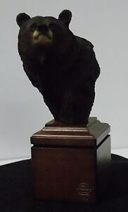 Mill Creek Studios - 7715 Bearable - Bear Sculpture - Danny Edwards