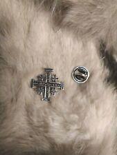 1 pin's croix du St Sépulcre , coix de Jérusalem  argenté
